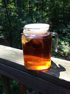 It's easy to make sun-brewed iced tea!  (Photo Credit: Adroit Ideals)