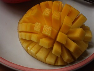 Cut the mango into cubes -- this is a fancy version (Photo Credit: Wikipedia)