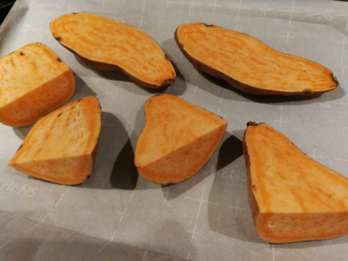 Halve sweet potatoes